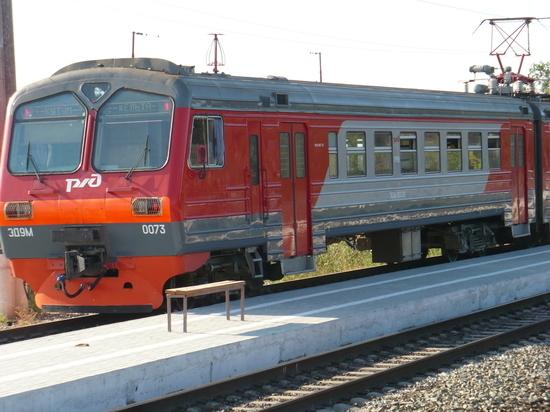 Электропоезд Кутум - Дельта - Кутум продолжит курсировать в марте