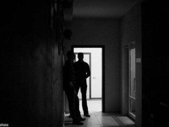 В Астрахани два мошенника скрывались в детском саду