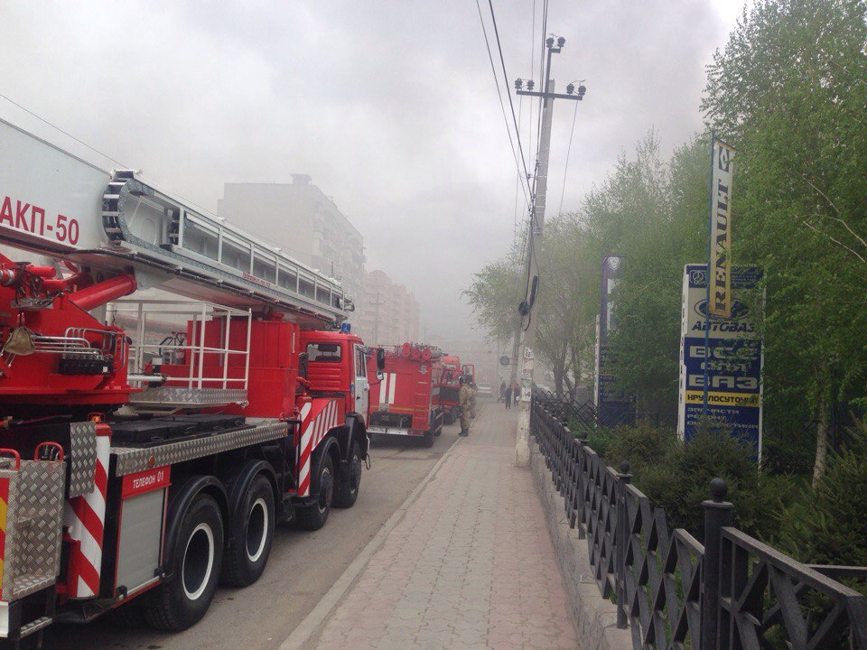 ВАстрахани полыхает автобус